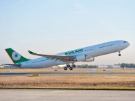 air-journal_EVA Air A330-300 takeoff
