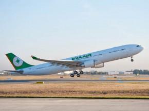 air-journal_EVA Air A330-300 takeoff