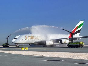 air-journal_emirates-a380-doha-water