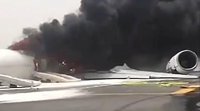 air-journal_Emirates Dubai crash feu moteur