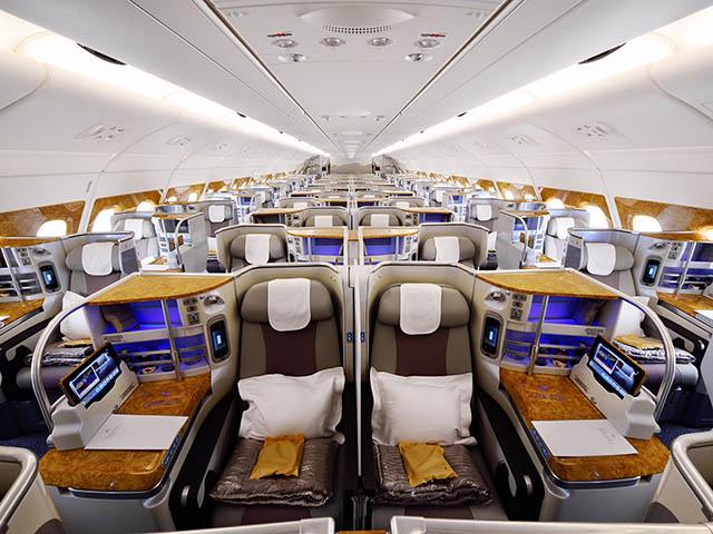 Emirates airlines nouvelles cabines avec plus de si ges for A l interieur de l avion