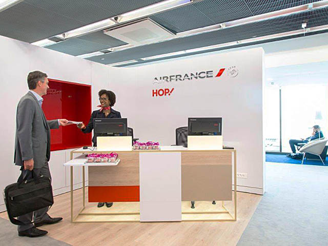 Hop Air France Satisfaction A La Rochelle Salon A Orly Air Journal