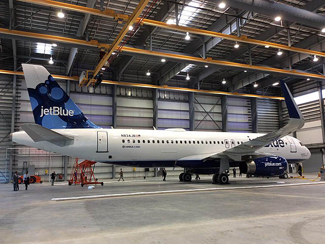 air-journal_JetBlue A320_Airbus_Mobile_FAL
