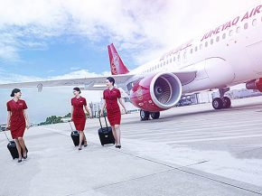 air-journal_juneyao-airlines-pnc-sol