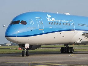 air-journal_KLM 787-9 Dreamliner close