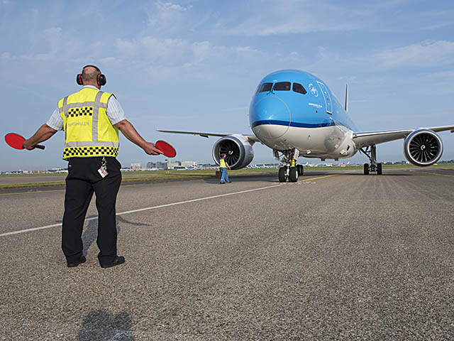 air-journal_KLM 787-9 Dreamliner stop