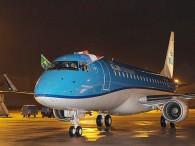 air-journal_KLM E175 taxi