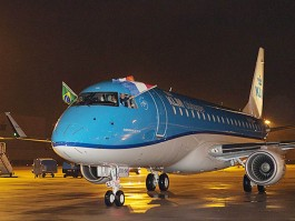 air-journal_KLM E175 taxi