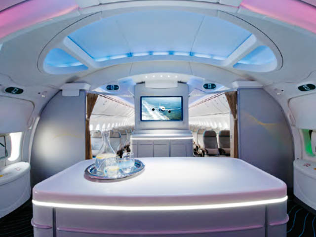 Kenya airways le dreamliner paris un 777 300er for Interieur 747 air france