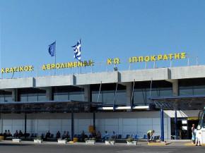 air-journal_Kos aéroport@Steven Fruitsmaak