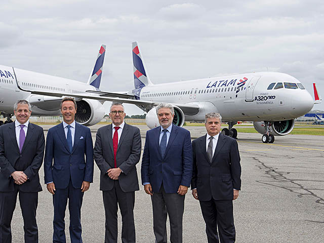 air-journal_LATAM_4th_A350-900_1st_A320neo_delivery