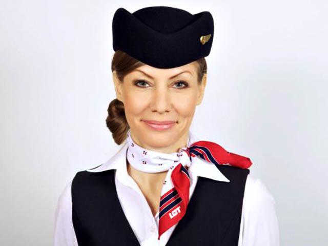 air-journal_LOT Polish uniformes