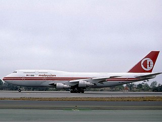 air-journal_Malaysia Airlines 747-400@Ted Quackenbush
