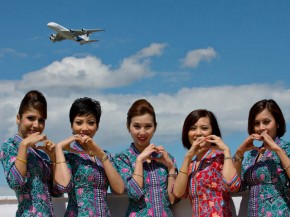 air-journal_Malaysia Airlines hotesses A380