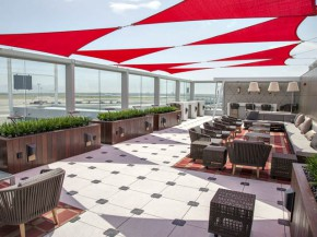air-journal_New-York-JFK-T4-aeroport-salon-Delta-Sky-Deck