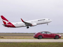 air-journal_Qantas 737-800 Tesla2