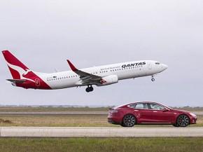 air-journal_Qantas 737-800 Tesla2