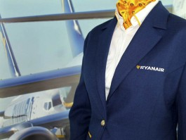 air-journal_Ryanair PNC uniforme