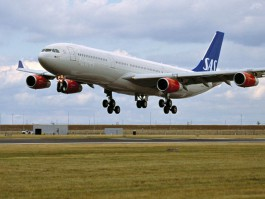 air-journal_SAS Scandinavian A340-300 landing