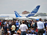 air-journal_Salon du Bourget _A380_CS300
