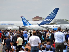 air-journal_Salon du Bourget _A380_CS300