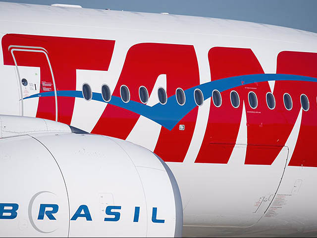 air-journal_TAM Brazilian A350-900 delivery close