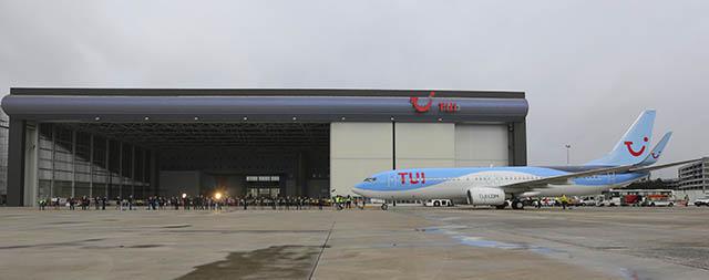 air-journal_tui-737-800-pull-bruxelles-1-wide