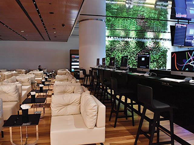 Le Lounge Dispose De Canapés Confortables, Du0027un Service De Restauration  Proposant Une Cuisine Turque, Du0027une Vaste Aire De Jeux Pour Enfants, ...