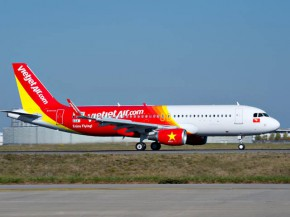air-journal_VietJetAir_A320-tarmac