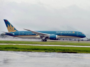 air-journal_Vietnam Airlines 787-9 landing Hanoi