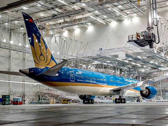 air-journal_Vietnam Airlines 787-9 rollout