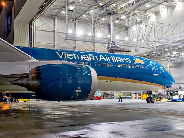 air-journal_Vietnam Airlines 787-9 rollout2