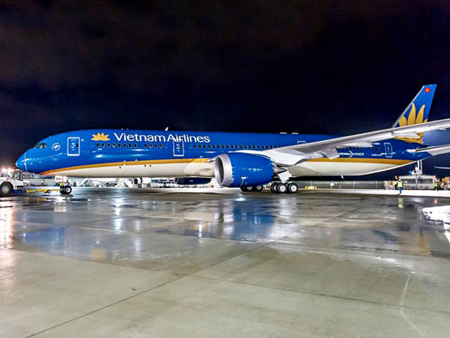 air-journal_Vietnam Airlines 787-9 rollout3