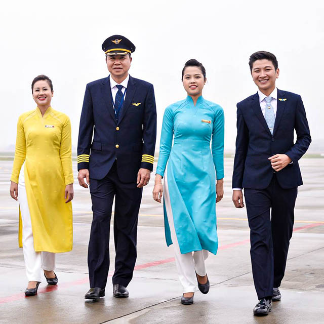 air-journal_Vietnam Airlines new uniforms1