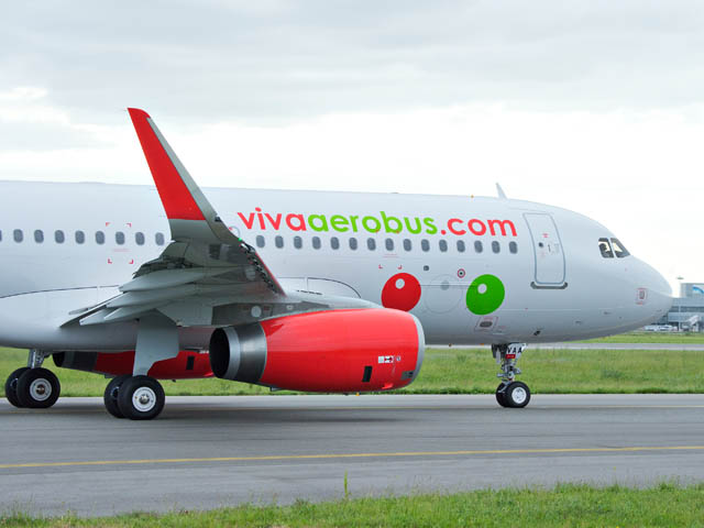 air-journal_VivaAerobus-A320-delivery2