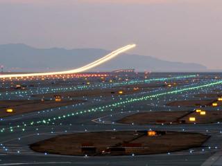 air-journal_aeroport nuit easyJet