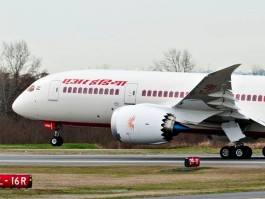 air-journal_air india 787 close