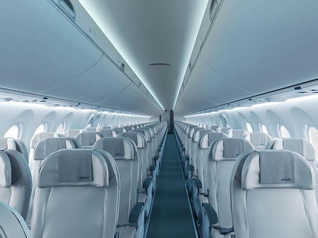 air-journal_airbaltic-cs300-cabine