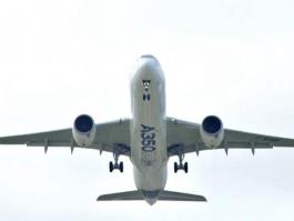 air-journal_airbus A350 premier vol dessous