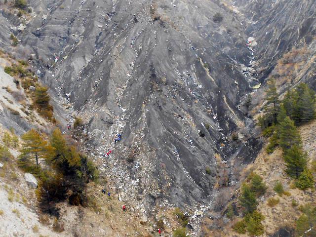 air-journal_crash Germanwings 4U9525 debris site