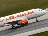 air-journal_easyJet airbus au sol