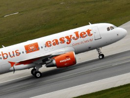 air-journal_easyJet airbus au sol