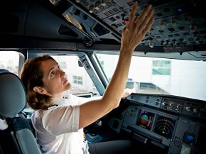 air-journal_easyJet pilote femme