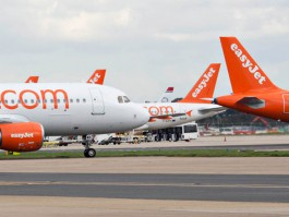 air-journal_easyJet planes