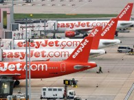 air-journal_easyjet planes Gatwick