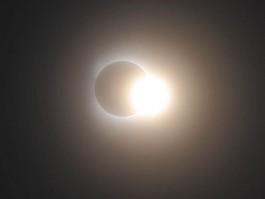 air-journal_eclipse solaire@Takeshi Kuboki