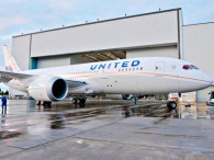 air-journal_united 787 rollout