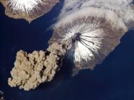 air-journal_volcan cleveland 2006 NASA