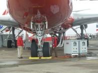 aj_Bourget-2011-maintenance-train-atterrissage-B747-800_2