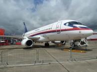 aj_Bourget 2011-sukhoi-100